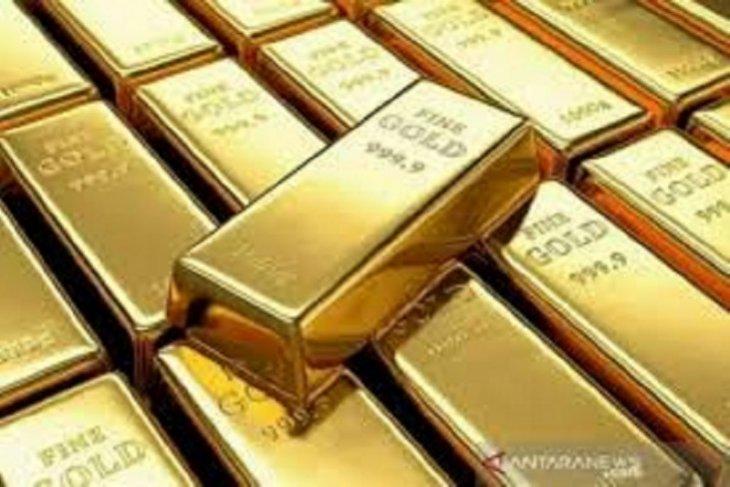 Emas naik tipis 0,4 dolar ditopang pelemahan