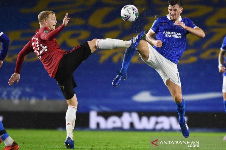 Liga Inggris - Solskjaer: Van de Beek berperan penting bagi MU meski jarang dimainkan