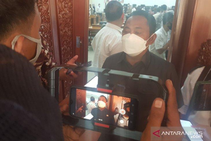 Perusahaan di Bekasi segera laporkan jika temukan kasus COVID-19