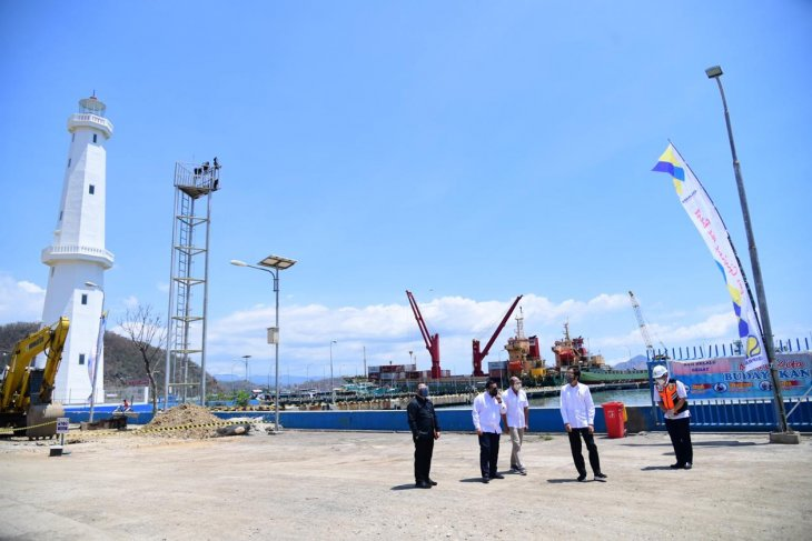 Jokowi inspects tourism infrastructure projects in Labuan Bajo