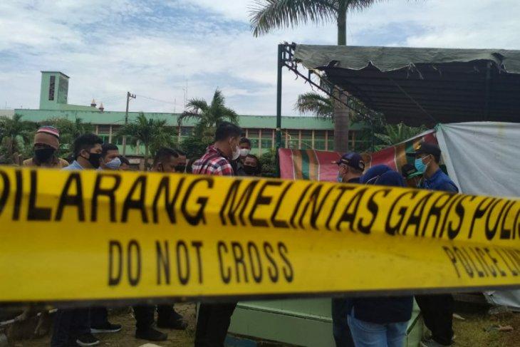 Polisi bongkar makam pegawai  kejaksaan di TPU Thamrin Medan