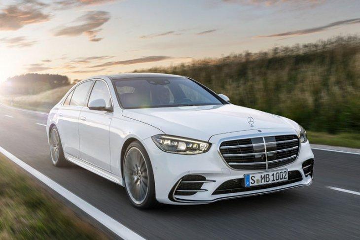 Mercedes-Benz  ungkap harga sedan S-Class terbaru
