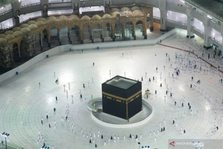 Masjidil Haram kembali sambut jamaah umrah untuk pertama kalinya di tengah pandemi