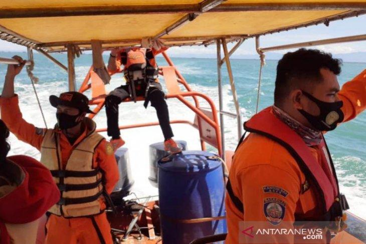 Dua nelayan Aceh Barat hilang di laut diterjang badai di perairan Nagan Raya