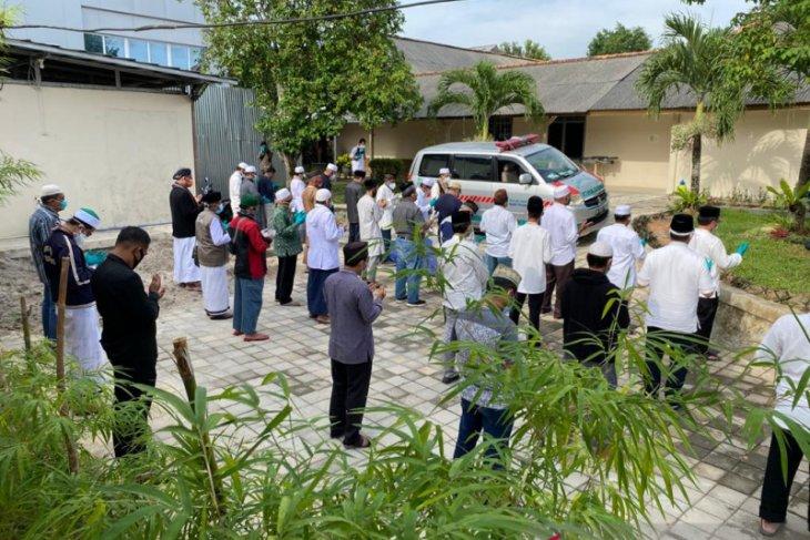 Kabar duka , Bupati Bangka Tengah Ibnu Saleh wafat karena COVID-19