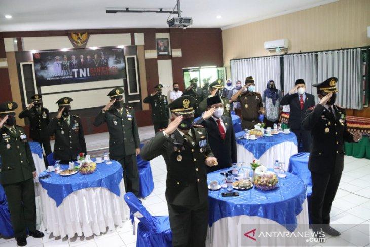 HUT ke-75 TNI secara virtual, Wabup HSS harapkan sinergitas terus berjalan