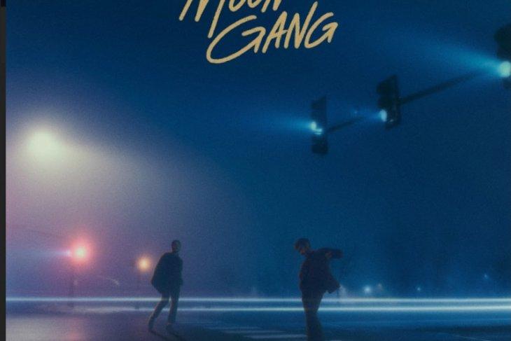 Grup musik Moon Gang berbagi kebahagiaan lewat lagu