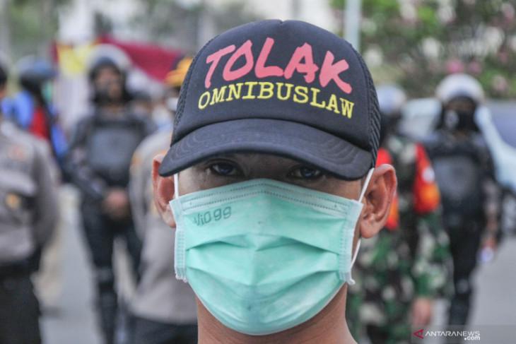 Buruh pusatkan penolakan UU Cipta Kerja di Kawasan Industri Pulogadung