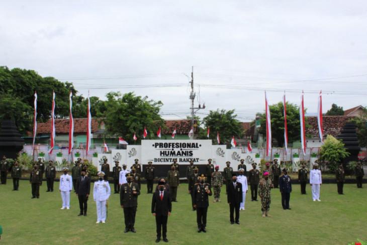 HUT Ke-75 TNI, Bupati Banyuwangi ajak TNI bersinergi perang terhadap pandemi COVID-19
