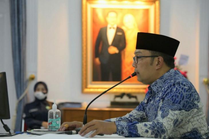 Ridwan Kamil sarankan terima dulu UU Cipta Kerja kemudian dievaluasi