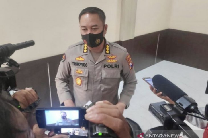 Propam Polda Jawa Timur periksa polisi viral dangdutan di Pasuruan dan Tulungagung