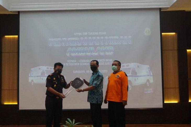 Bea Cukai Perak hibahkan mobil ambulans untuk Laznas LMI