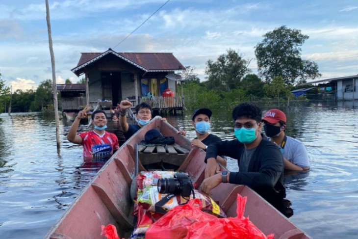 Bea Cukai gandeng kaum milenial bantu korban banjir di batas RI - Malaysia