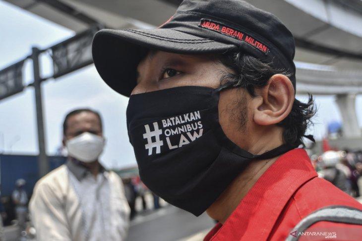 Hari ini, buruh lanjutkan aksi mogok nasional