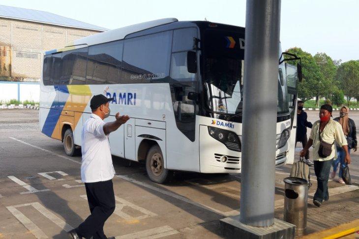 Penumpang Bus Damri trayek Sei Ambawang - Pangkalan Bun keluhkan kenaikan tarif