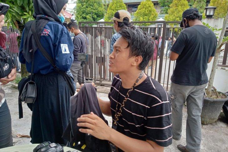 Dua wartawan cedera saat liputan demo penolakan Omnibus Law