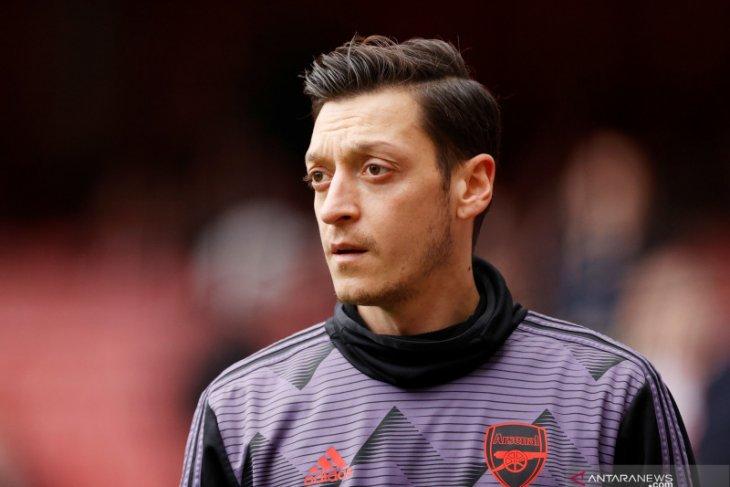 Arsenal dan Mesut Oezil akhirnya pisah jalan