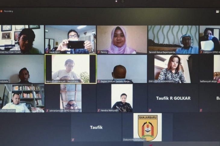 Anggota DPRD Banjarbaru raker virtual karena COVID-19