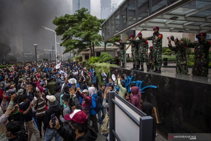 Omnibus law: 34 demonstrators found reactive to COVID-19 in Jakarta