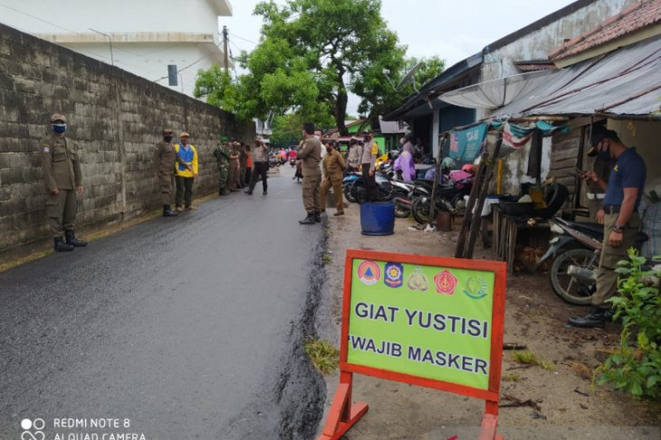 Tim gabungan Bangka Barat gelar operasi yustisi di Pasar Parittiga