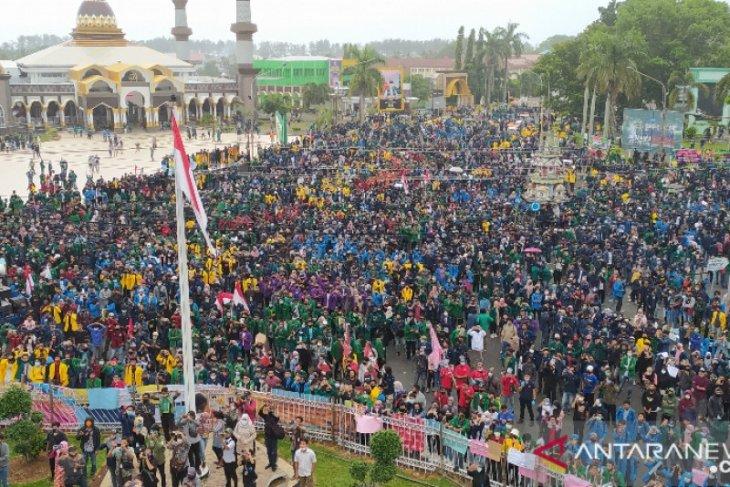 Polda Bengkulu tak bubarkan unjuk rasa untuk cegah kerusuhan