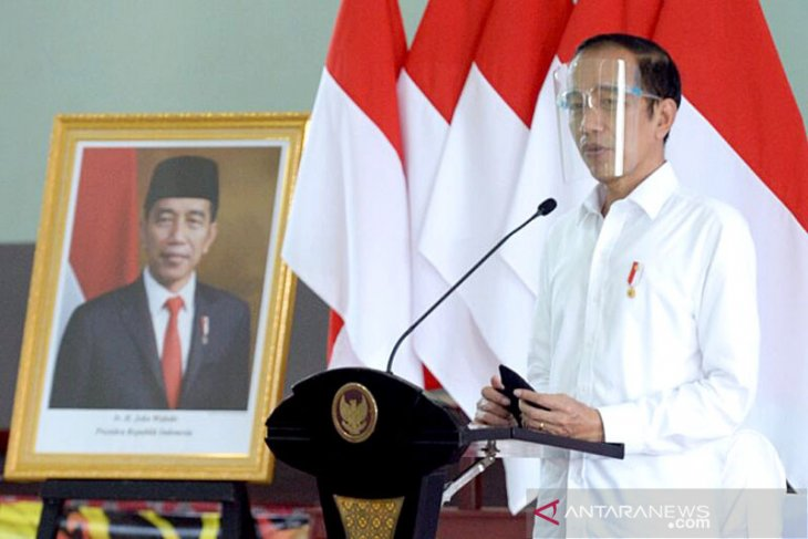 Presiden Jokowi tegaskan pentingnya bank tanah diatur dalam UU Ciptaker