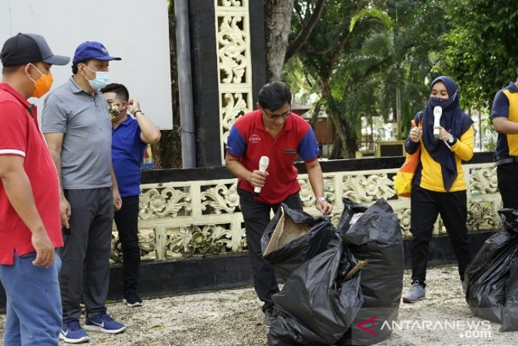 Walikota Pangkalpinang apresiasi kegiatan Jumat Bersih PHRI