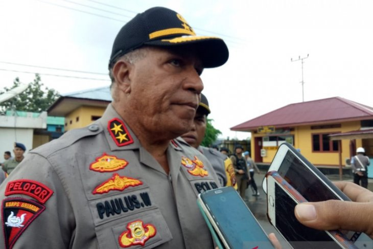 Police officer in Papua arrested for allegedly selling firearms