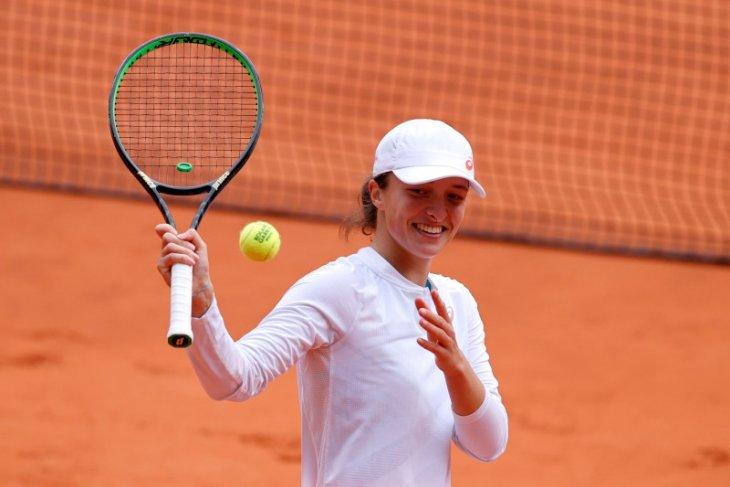 Juarai French Open, Swiatek jadi petenis Polandia pertama menangi Grand Slam