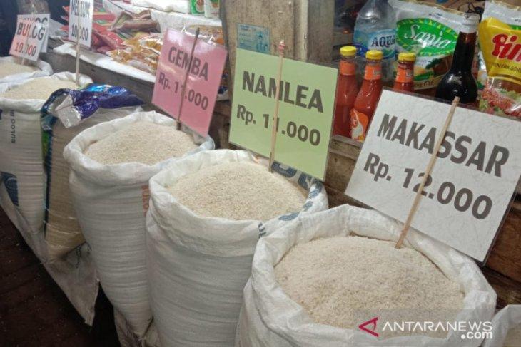 Harga sejumlah kebutuhan pokok di pasar tradisional Ambon normal