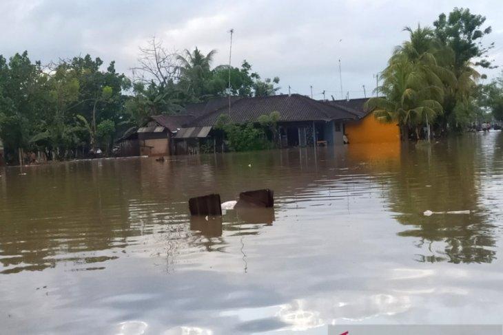 Ratusan rumah di Jembrana terendam banjir