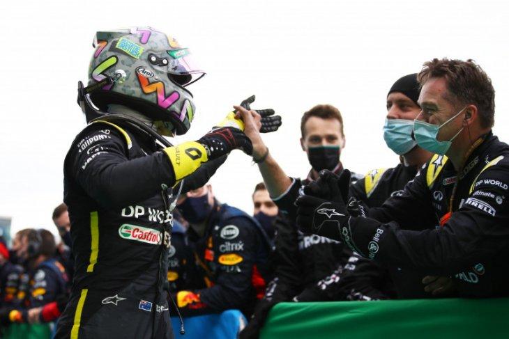 Ricciardo naik podium, bos Renault persiapkan tato untuk digambar di kulitnya