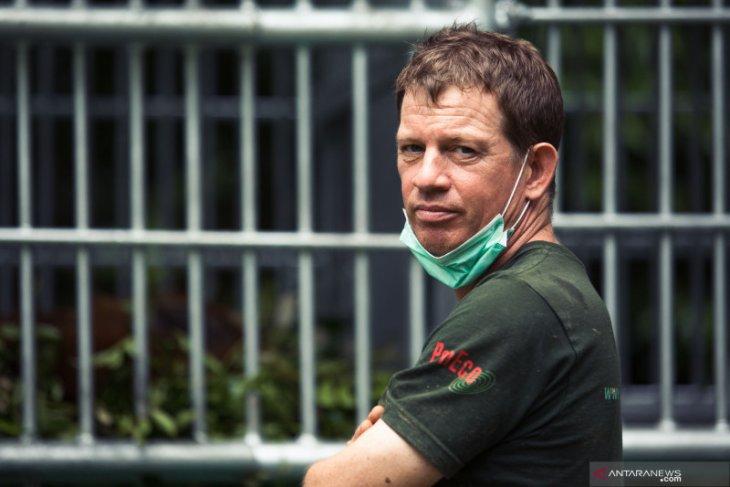 Pelestari orang utan Sumatera asal Inggris memperoleh penghargaan Ratu
