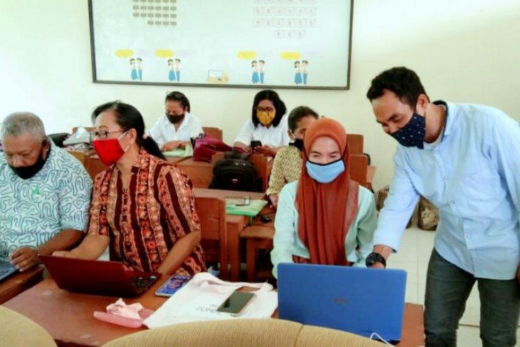 IAKN Ambon latih guru terapkan metode pembelajaran non-konvensional di SBB