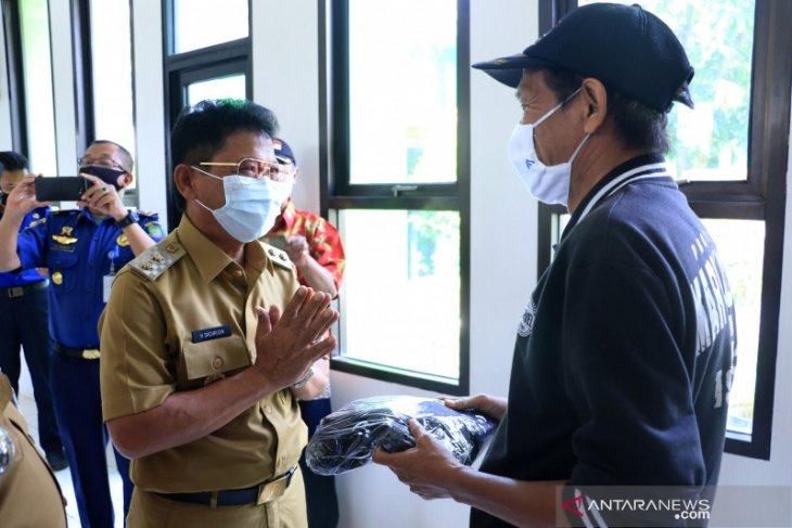 Cegah COVID-19, Pemkot Tangerang bagikan 41.000 masker di Kecamatan Pinang
