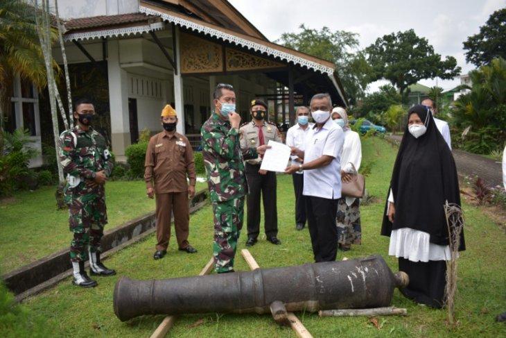 Korem 042/Gapu hibahkan meriam peninggalan Belanda ke Museum Perjuangan Rakyat Jambi