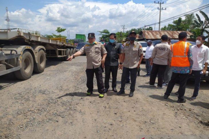 Komisi iii DPRD Kalsel minta perbaikan jalan subardjo