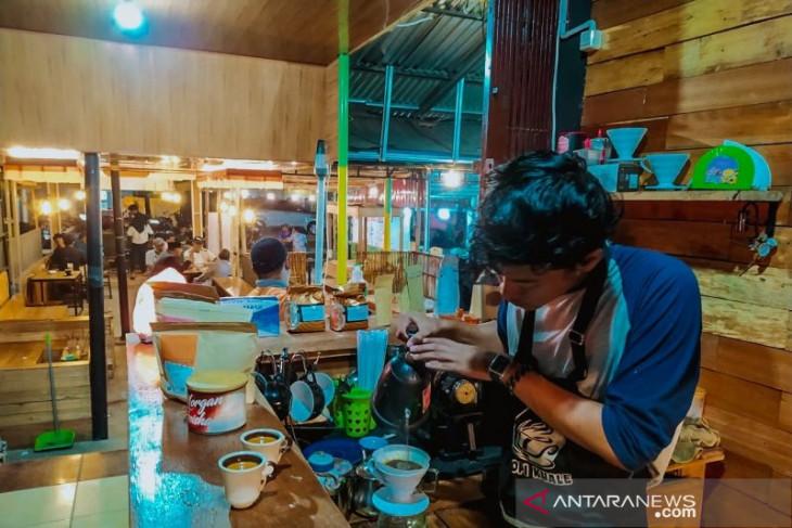Kopi Kuale, filosofi segelas kopi untuk kelestarian mangrove