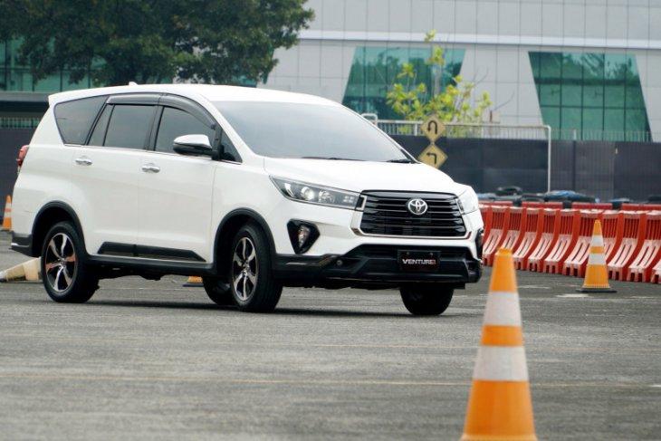Ini alasan Toyota rilis New Fortuner dan Kijang Innova 2020 berbarengan