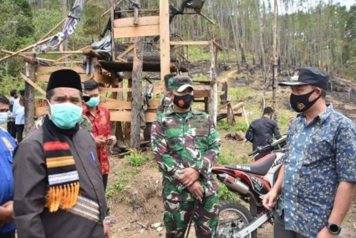 Tinjau kebakaran lahan, Bupati Sarkawi: Ada yang melanggar tindak tegas