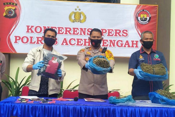Polisi amankan tersangka pemilik 4,4 kilo gram ganja dan dua paket sabu di Aceh Tengah