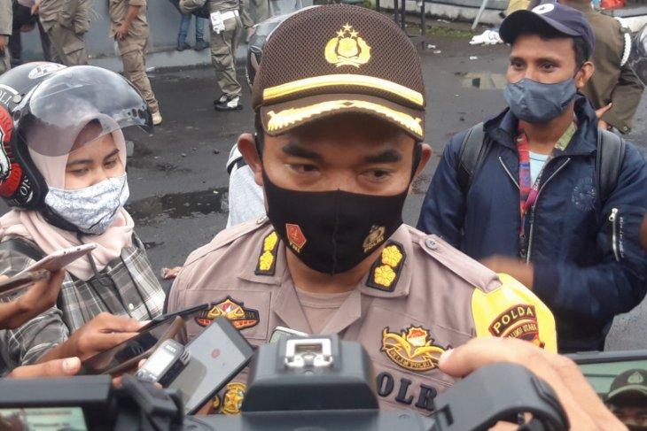 Polda Malut pulangkan 10 tersangka pelaku unjuk rasa di Ternate