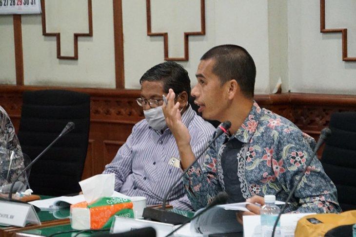 Banleg DPRA jadwal rapat dengar pendapat raqan retribusi