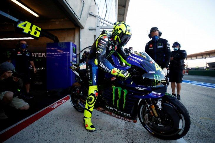Kronologi Valentino Rossi terjangkit COVID-19