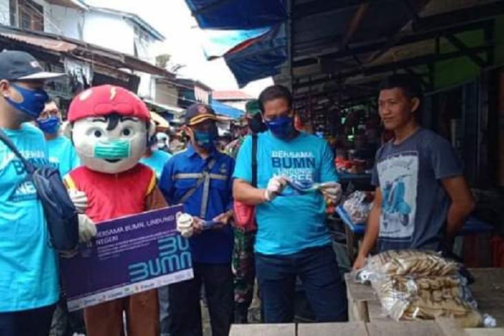 Bupati lepas Satgas BUMN Kapuas Hulu bagikan masker cegah COVID-19