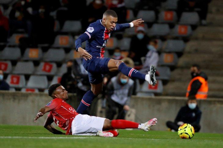 PSG kalahkan Nimes 4-0, Mbappe ceka dua gol