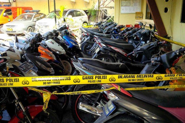 Kejari publikasikan puluhan sepeda motor hasil sitaan