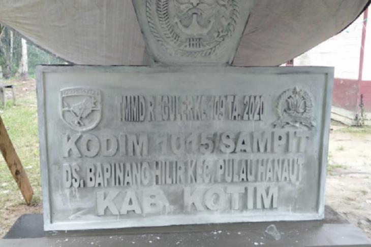 Pembangunan Prasasti TMMD 109 Kodim 1015/Spt tinggal pengerjaan finishing