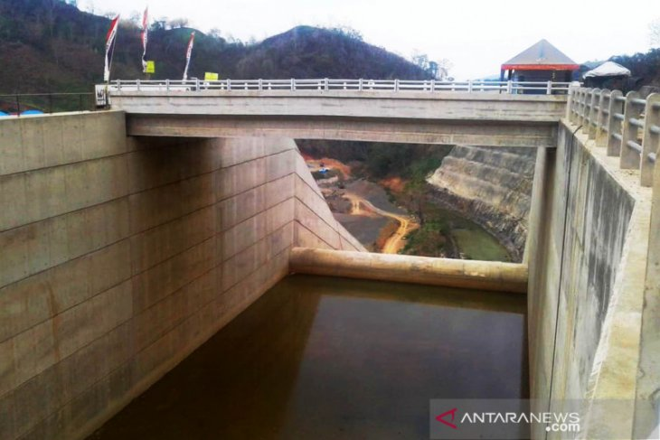 Ministry targets to complete four dams construction in December