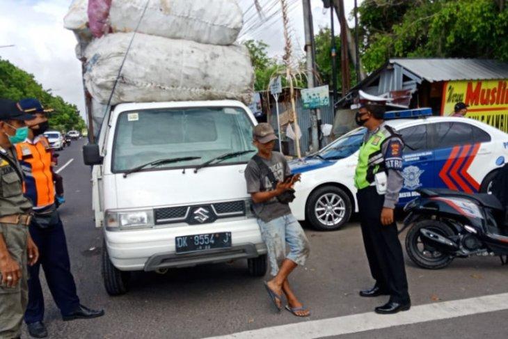 12 warga Denpasar tak bermasker dikenai sanksi denda Rp100.000